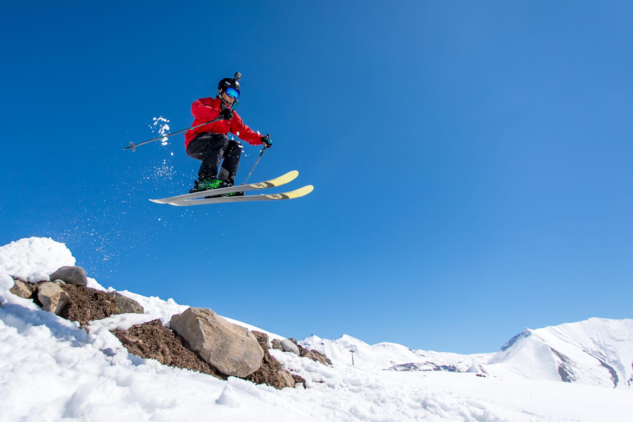 Инструкторы по горным лыжам и сноуборду в Гудаури